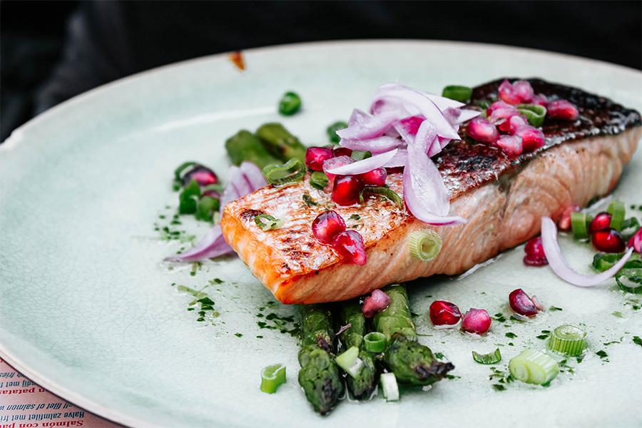 Salmon and asparagus on a plate